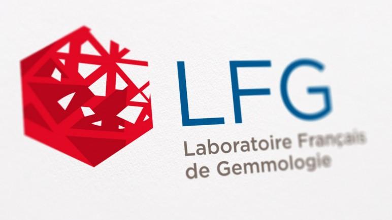 logo-LFG-fond-papier-blur
